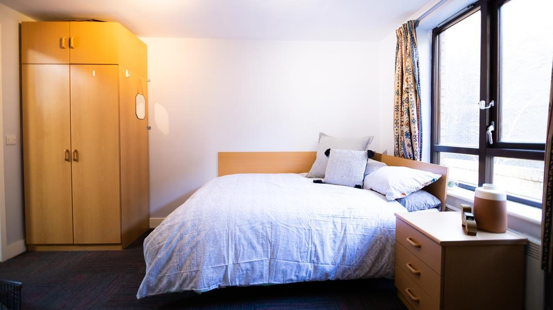 Example bedroom at Coopers Court, London