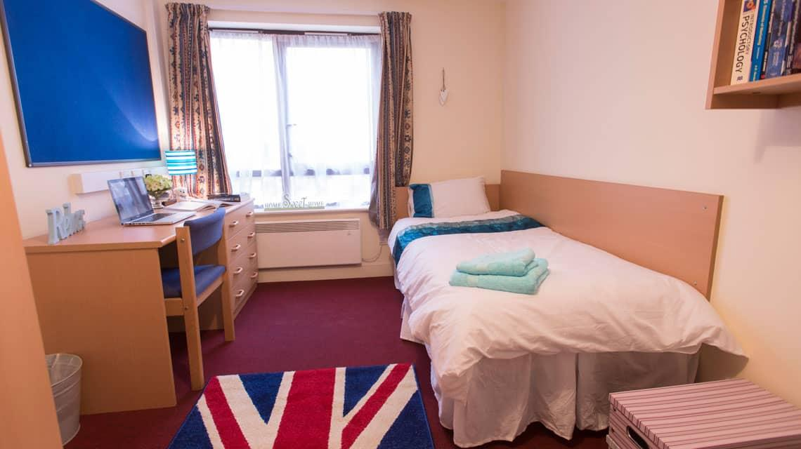 example of a bedroom at Coopers Court