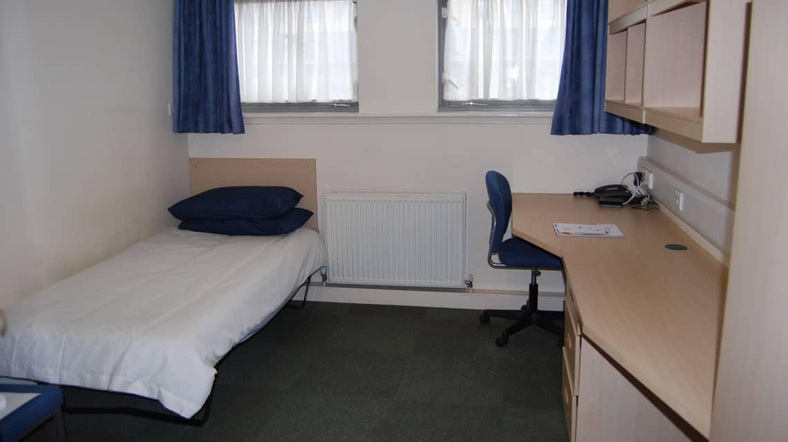 example bedroom at Kelvinhaugh Gate