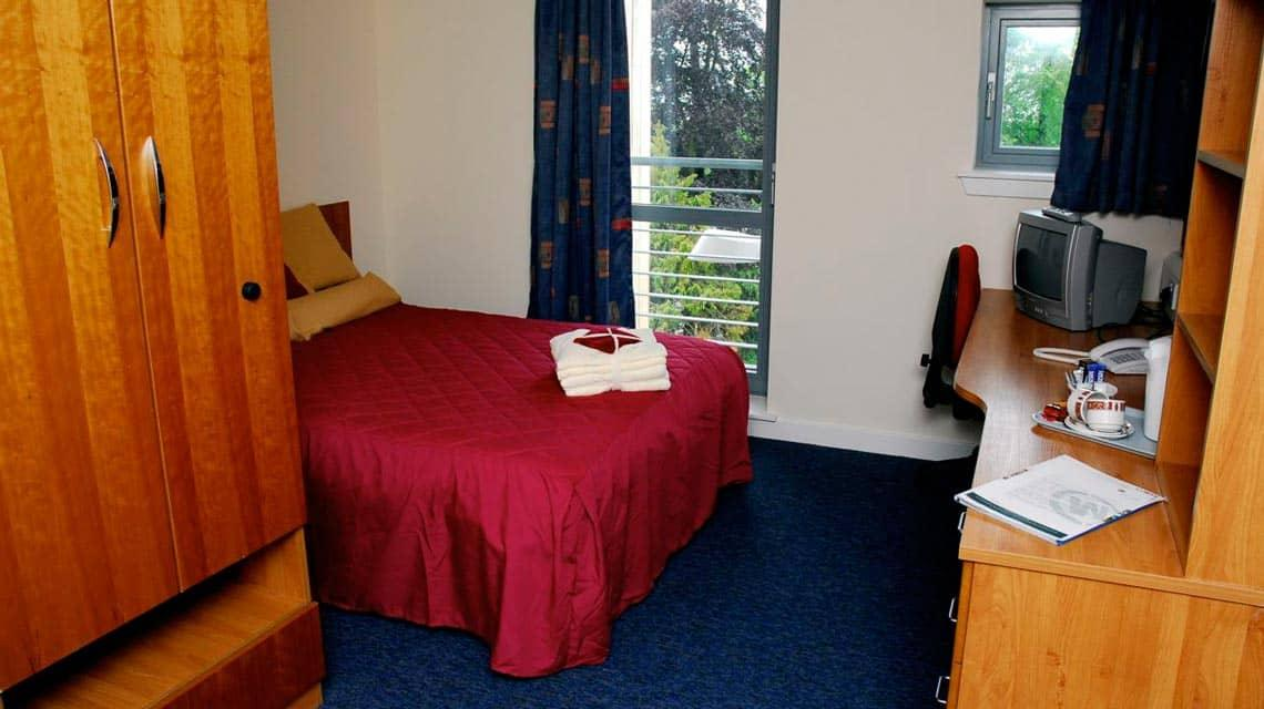 example double bedroom at West Park Villas and Flats
