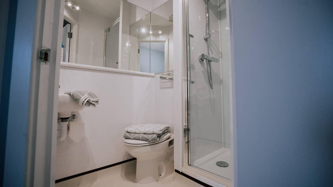 Example en-suite bathroom at Manna Ash House.