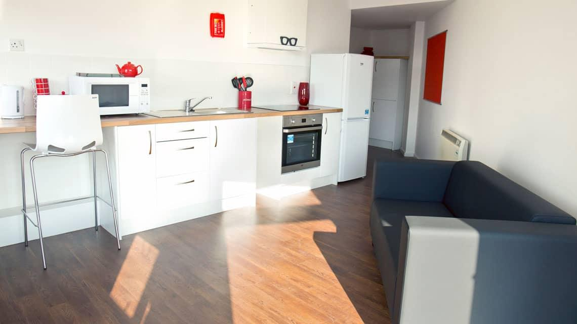 shared Marybone kitchen and lounge
